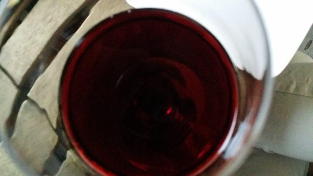 Cantinetta refrigerante per vini: perché mi serve acquistarla?