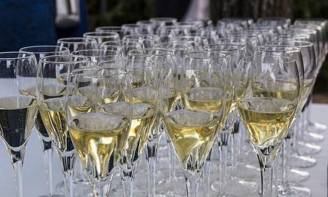 Calici di vino prosecco